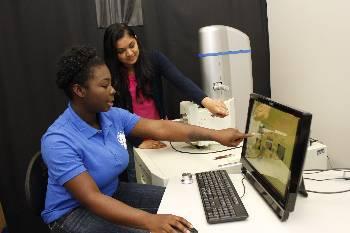 Physics majors' poster research wins award