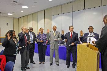 Trustees take 2015 oath