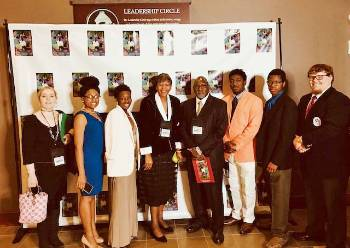 Honors Program Students Attend Conference